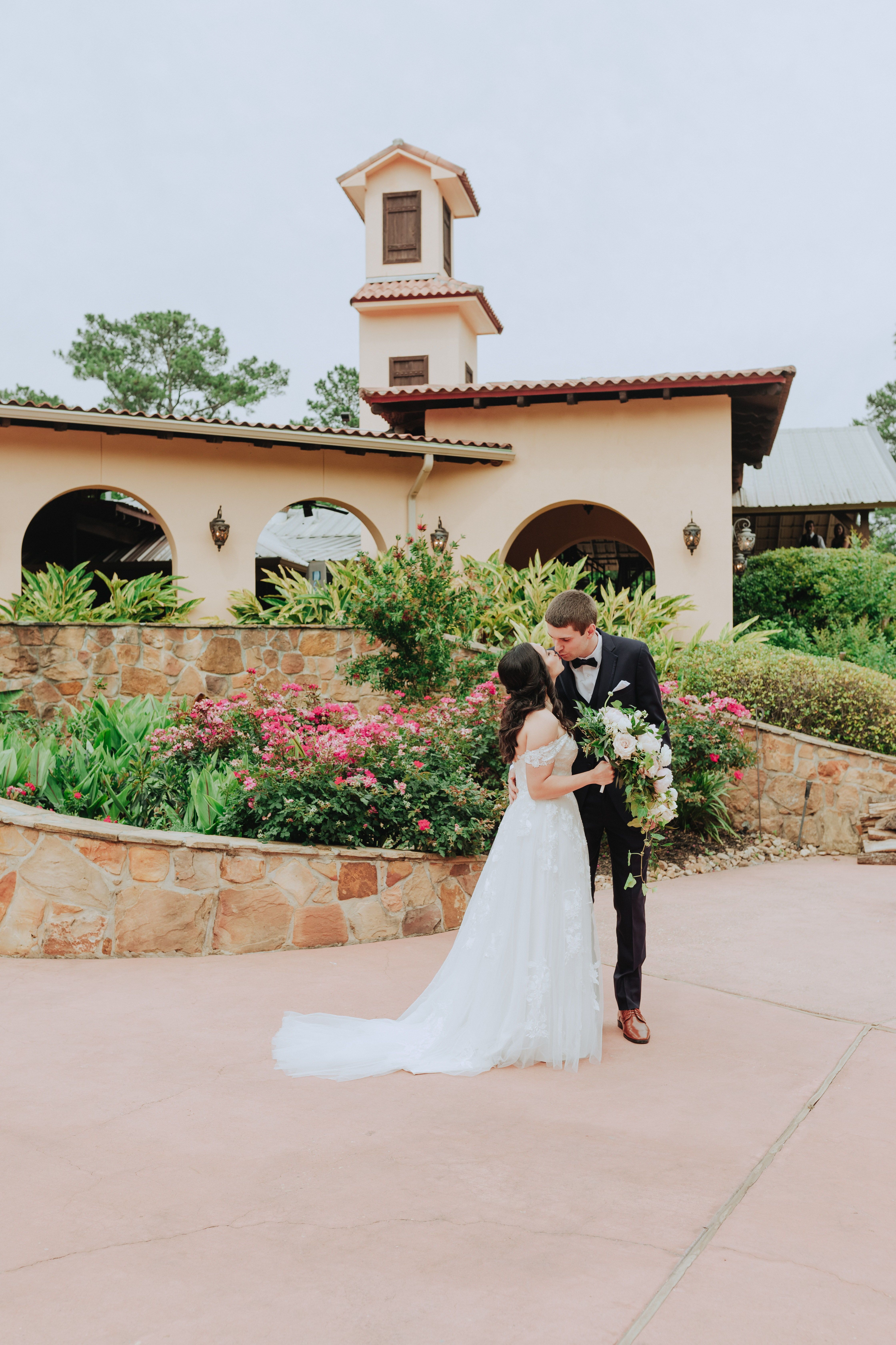 Bride groom share first look at madera estates in 2020