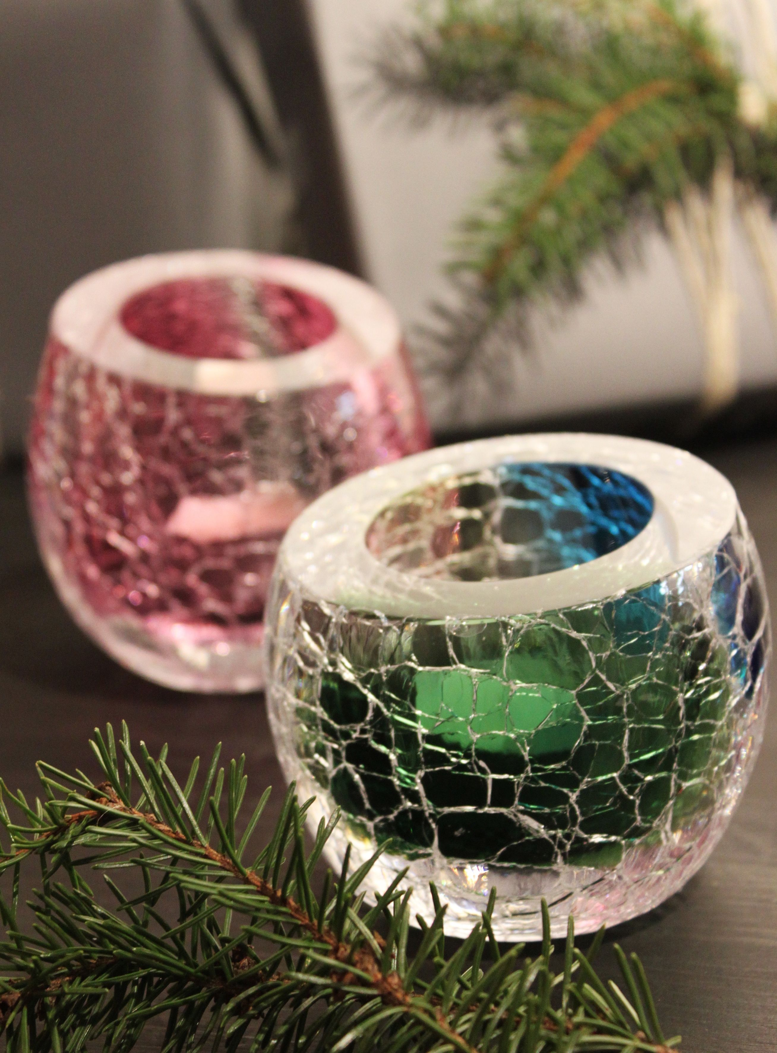 Crackle artworks by glass artist, master glassblower Kari Alakoski.