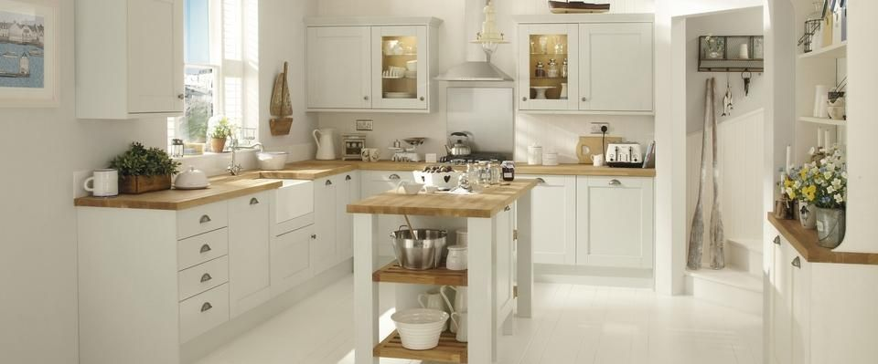 Tewkesbury White Kitchen Range Kitchen Families