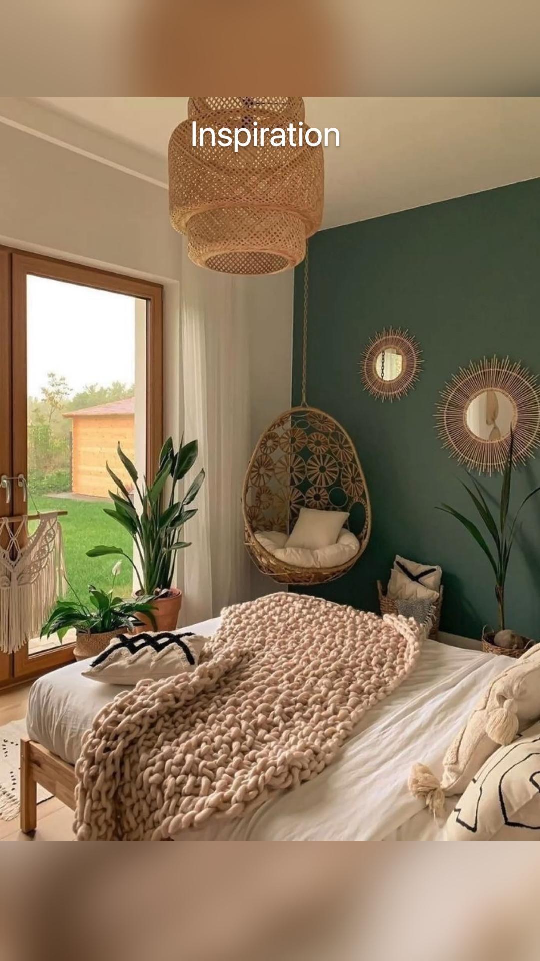 Guest bedroom, Hawaiian themed, hula girl and pineapple decor.