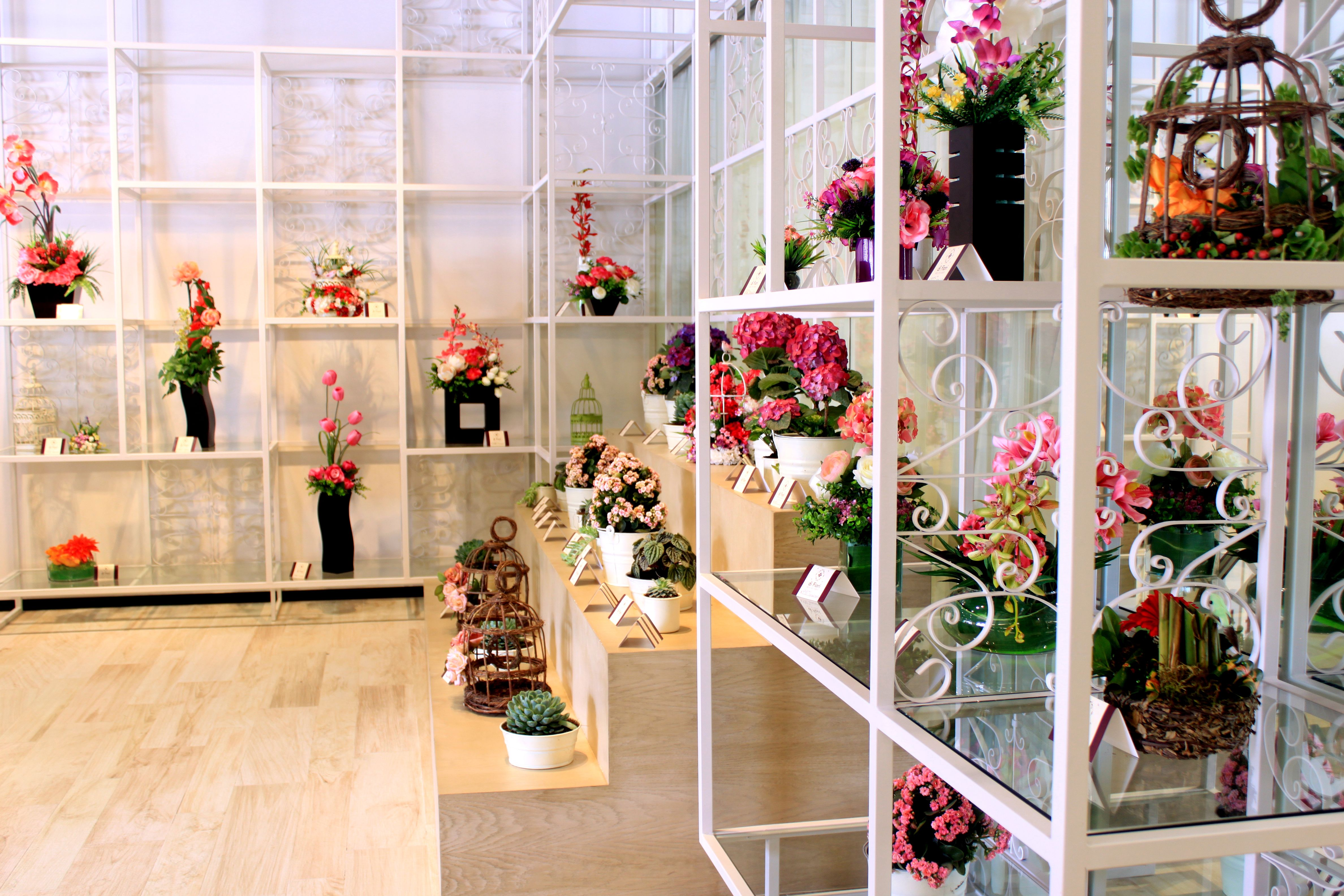 Arreglos florales exhibici n de flores dise os creativos for Disenos para boutique