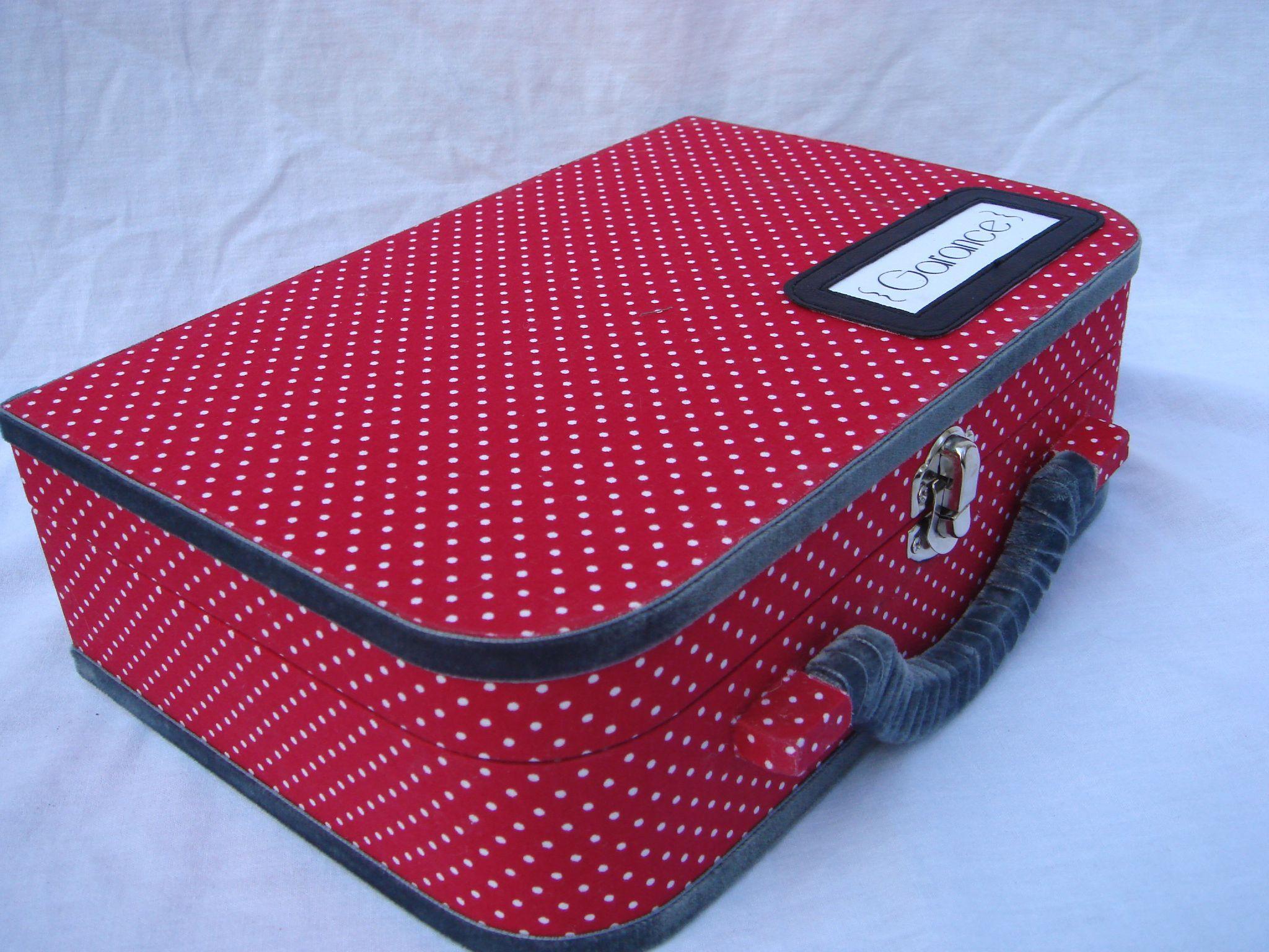 recouvrir une valise de tissu diy pinterest valises tissu et valise en carton. Black Bedroom Furniture Sets. Home Design Ideas
