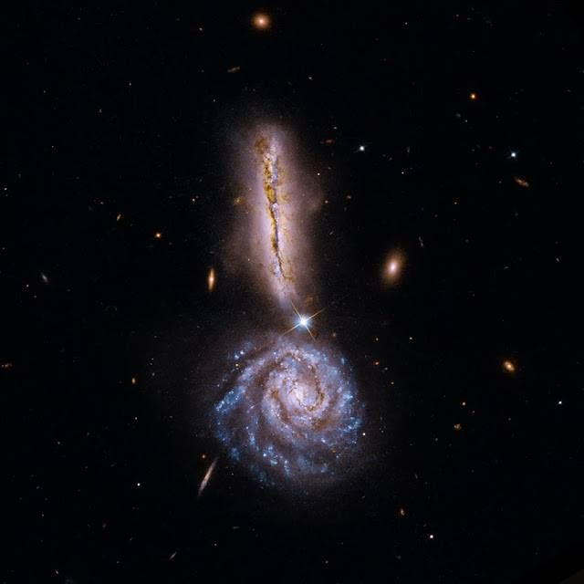Galáxias Arp 302