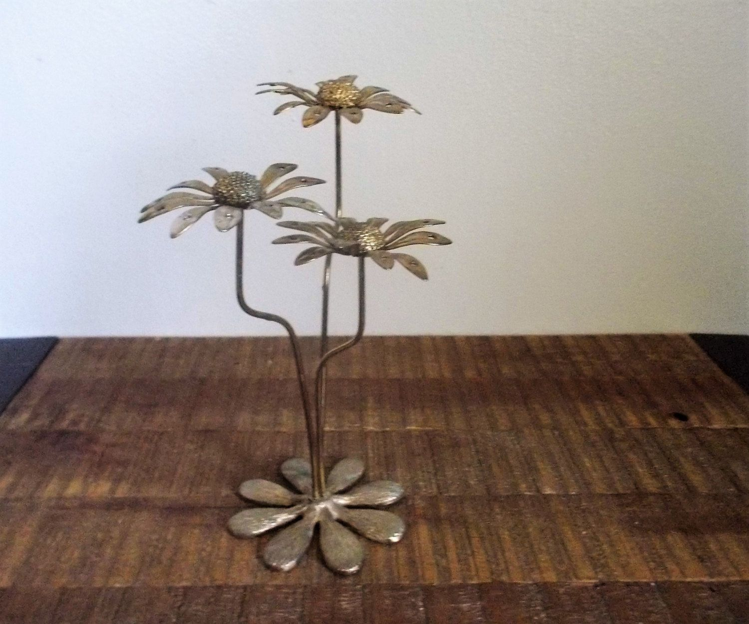 Etsy · Vintage Goldtone Metal Daisy Earring Holder