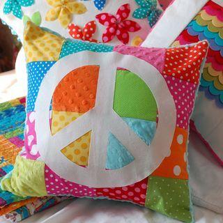 Almohada 2 almohadones decorados con flores y mariposas de - Como hacer almohadones ...