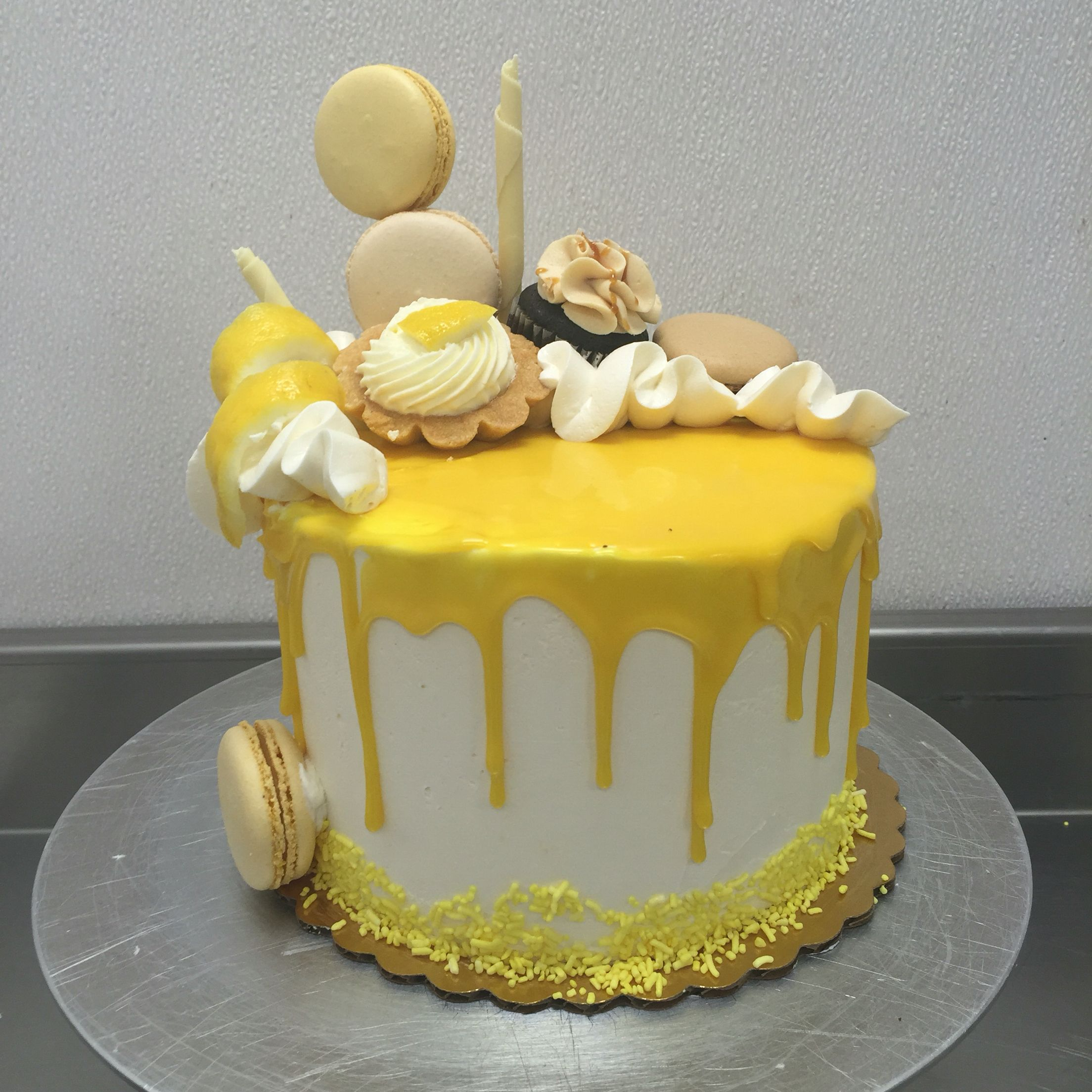 Lemon Sponge Cake With White Chocolate Icing