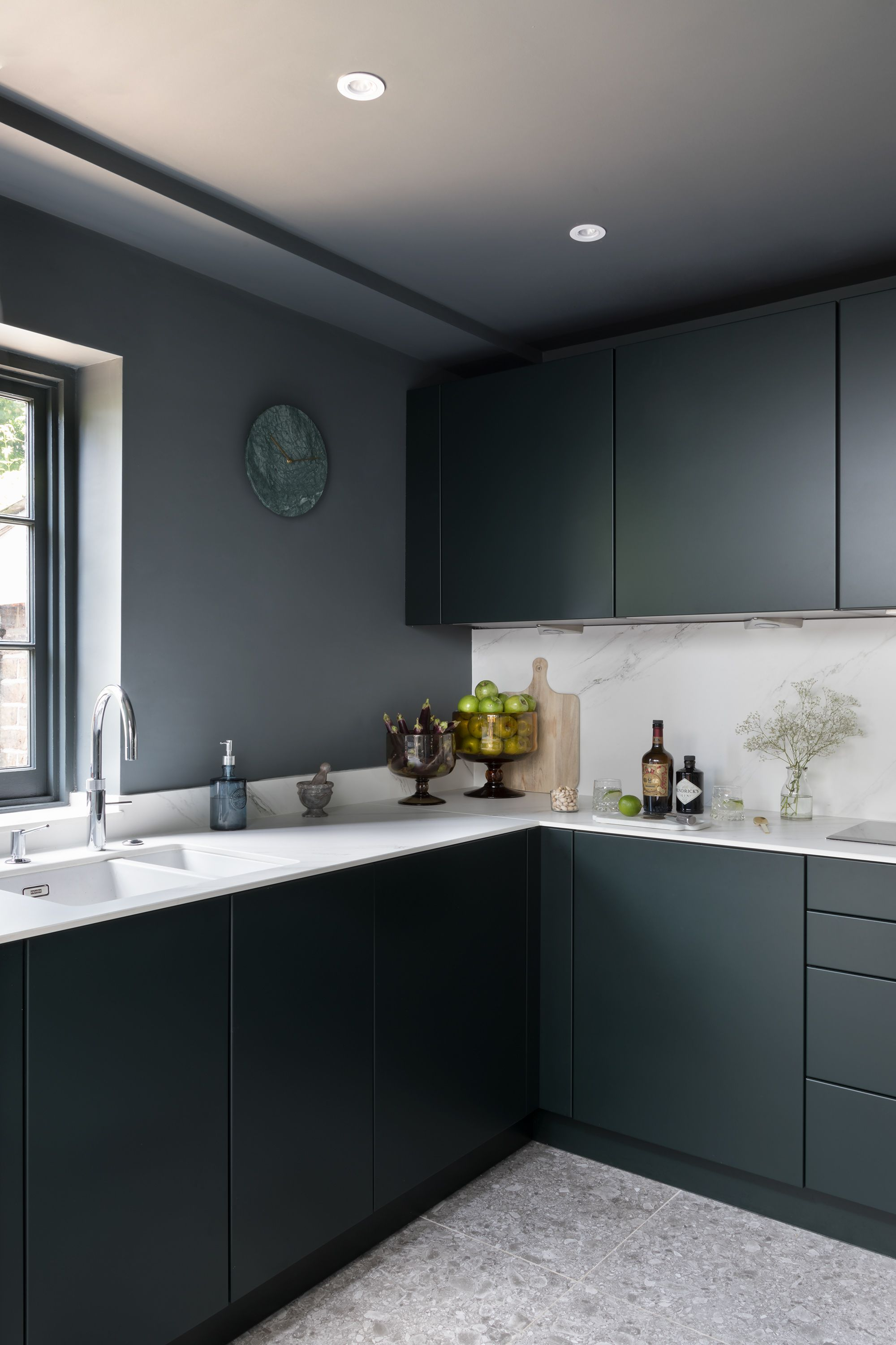 A Kitchen of Contrasts Comes Together with Ceralsio in