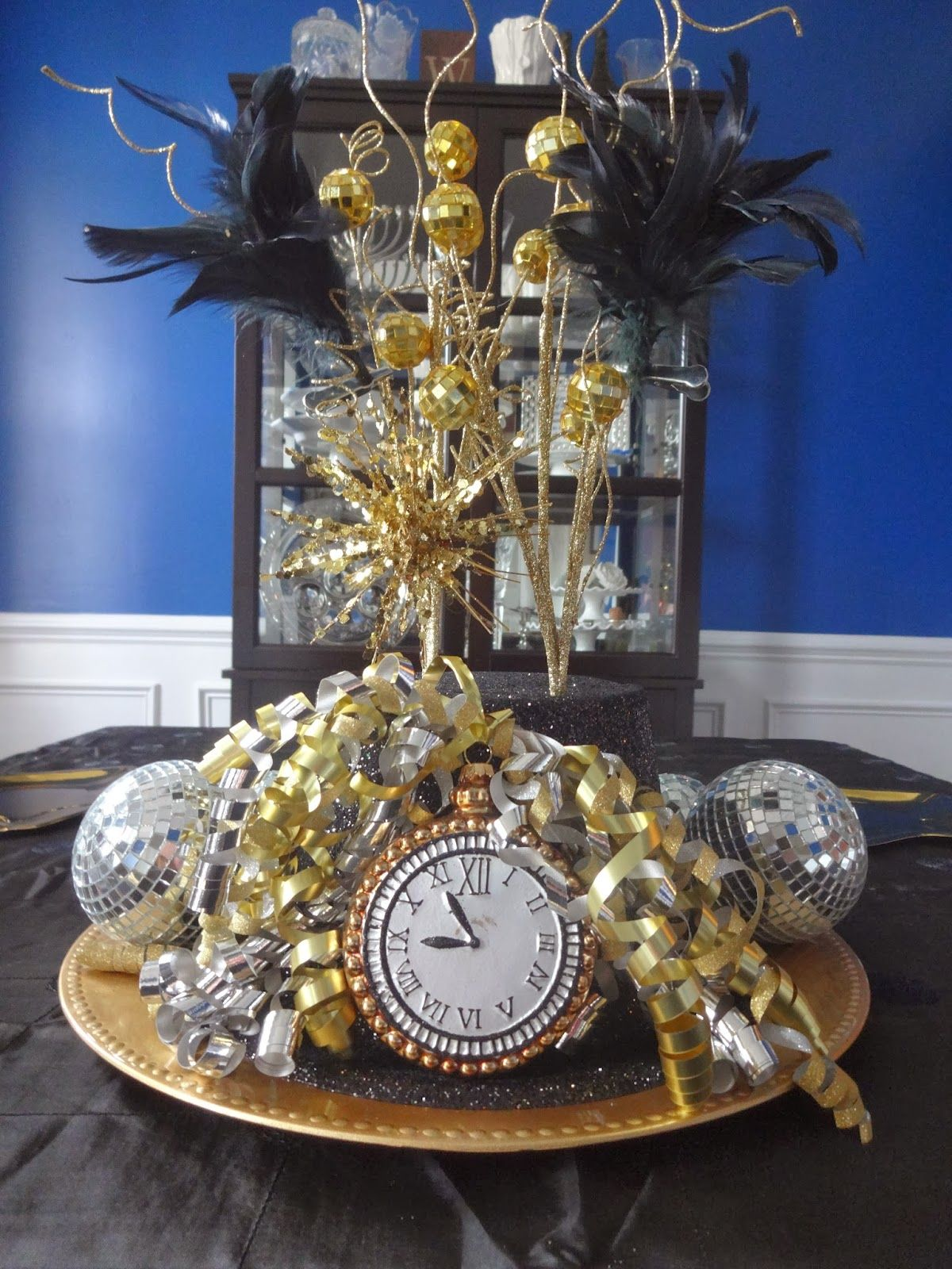New Years Eve Decor | New years eve decorations, New year ...