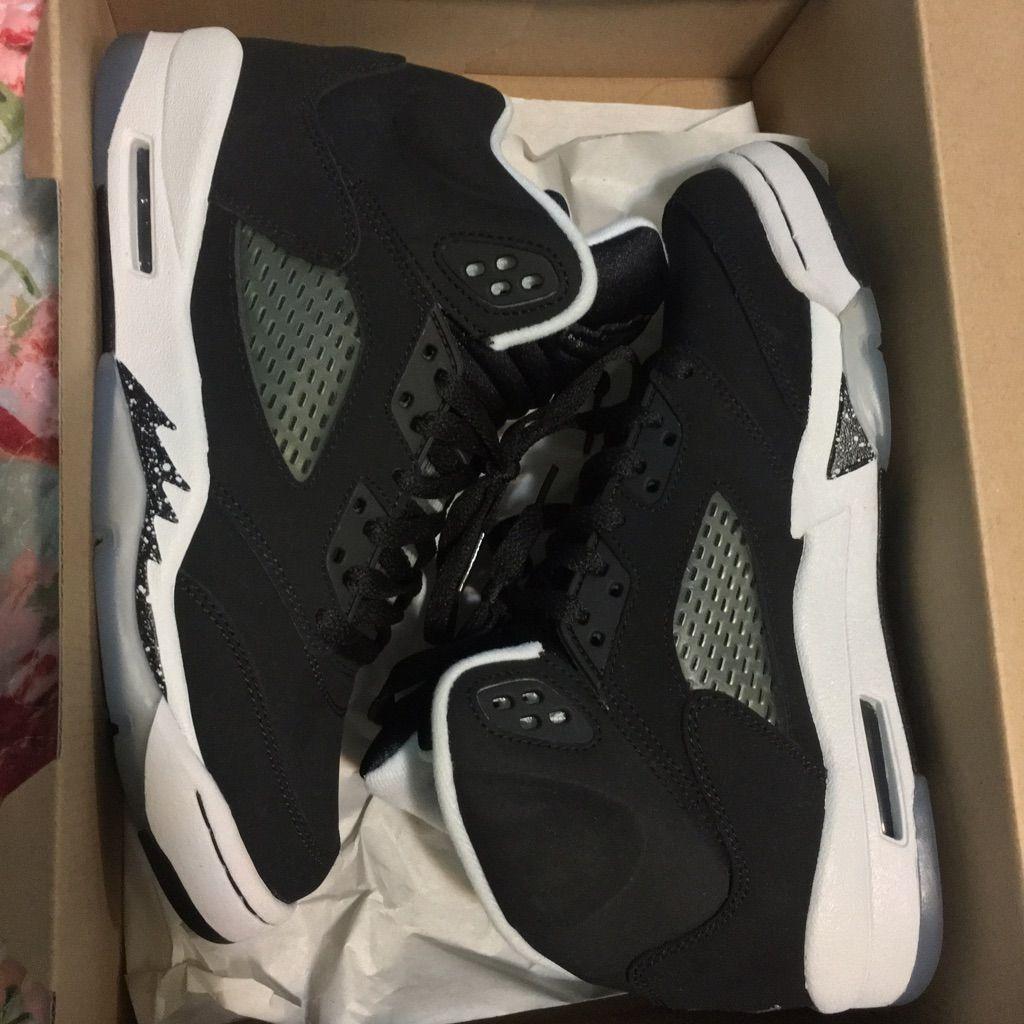 Jordan shoes jordan 5s oreo color black size 65