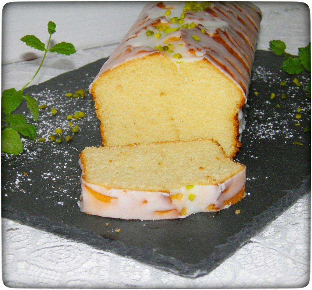Fluffy juicy lemon cake with font   - Rezepte- Backen süß -