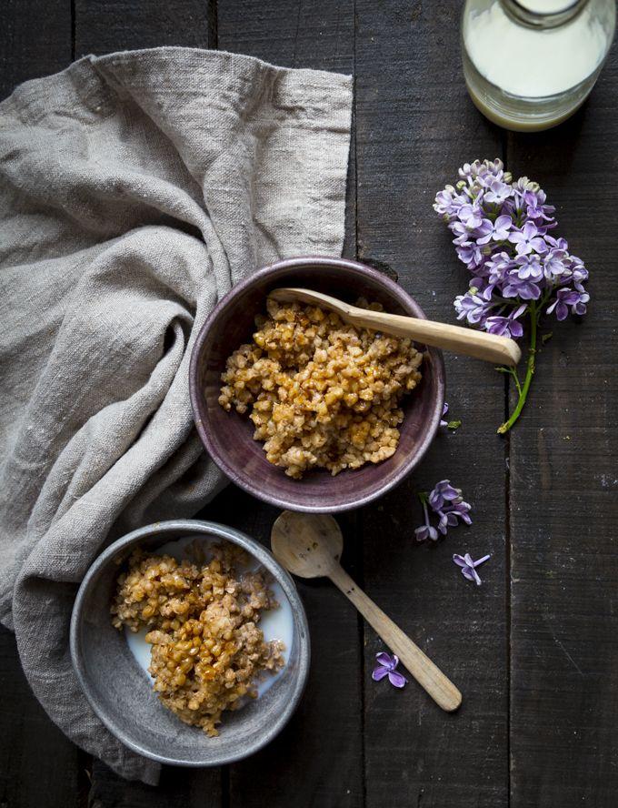 Oven baked buckwheat porridge. http://www.jotainmaukasta.fi/2016/03/26/tattariuunipuuro/