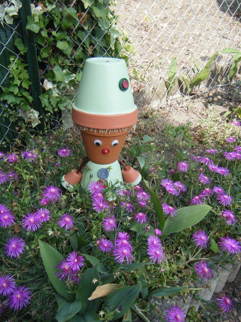 personnage en pot de terre cuite personnages en pot de terre cuite pinterest terre cuite. Black Bedroom Furniture Sets. Home Design Ideas