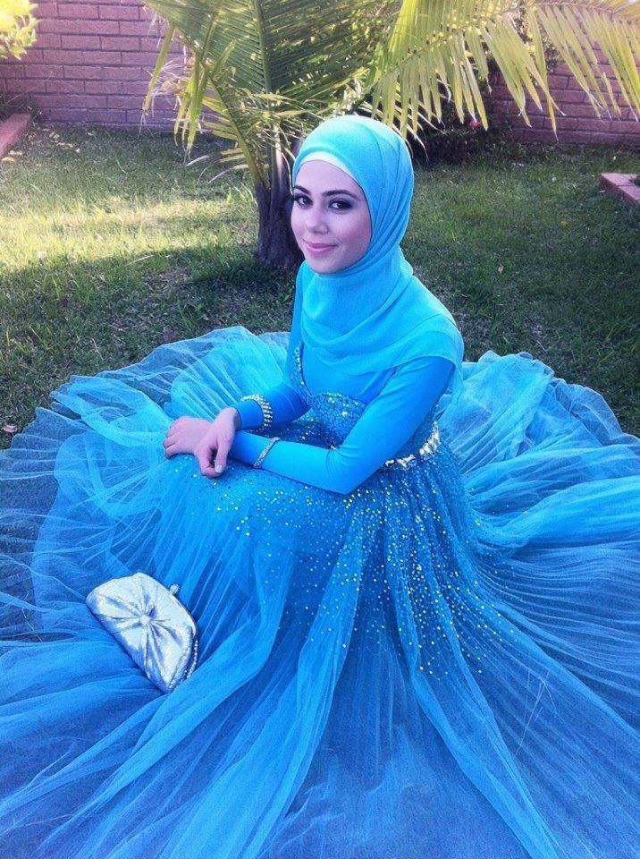 http://abayatrade.com    Muslim Hijab is fashionable...turquoise