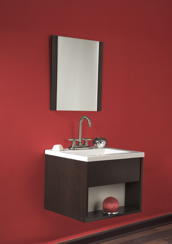 Inspiración con tonos rojos. Decorar baños pequeños