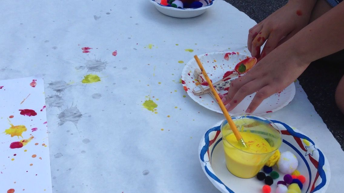 Action painting catapults. A STEAM activity. http://pretendstudio.weebly.com/blog/steam-catapult-painting