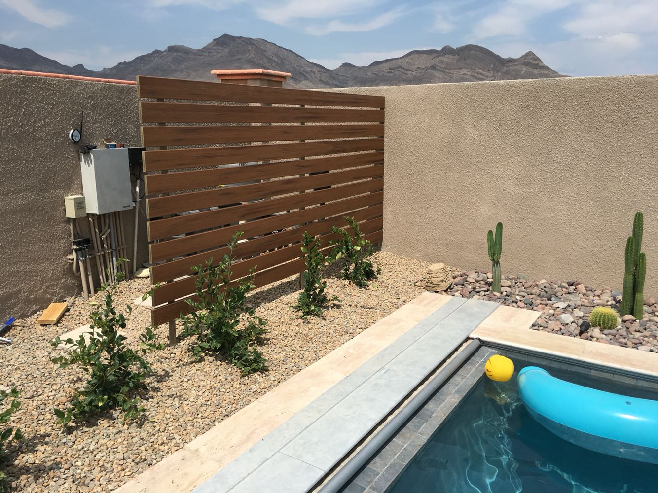 Screen Partition To Hide Our Pool Equipment Very Pleased With This Trex Decking Backyard Pool Landscaping Diy Pool Fence Backyard