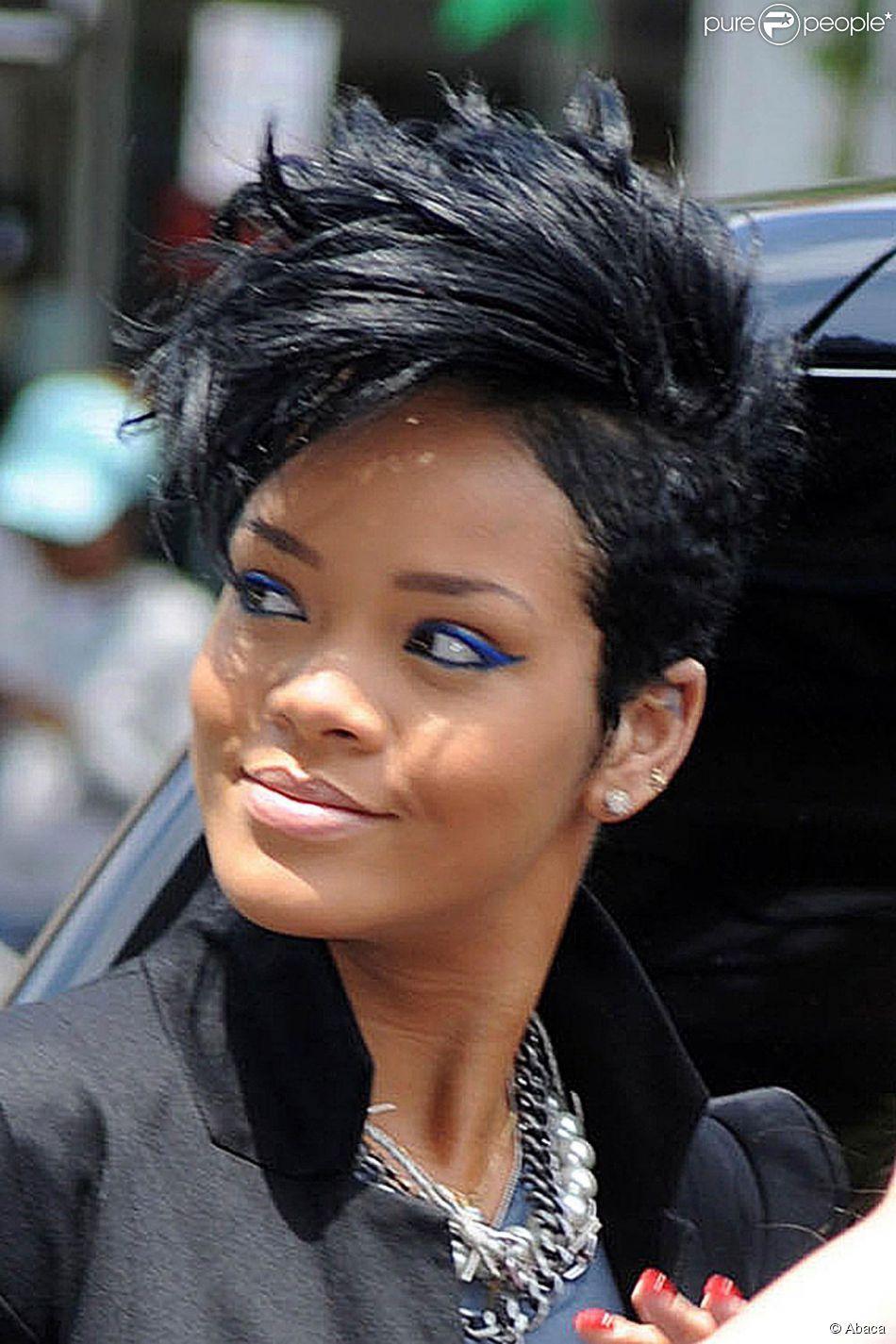 Rihanna 3 Hair Style En 2018 Pinterest Coiffure Rihanna