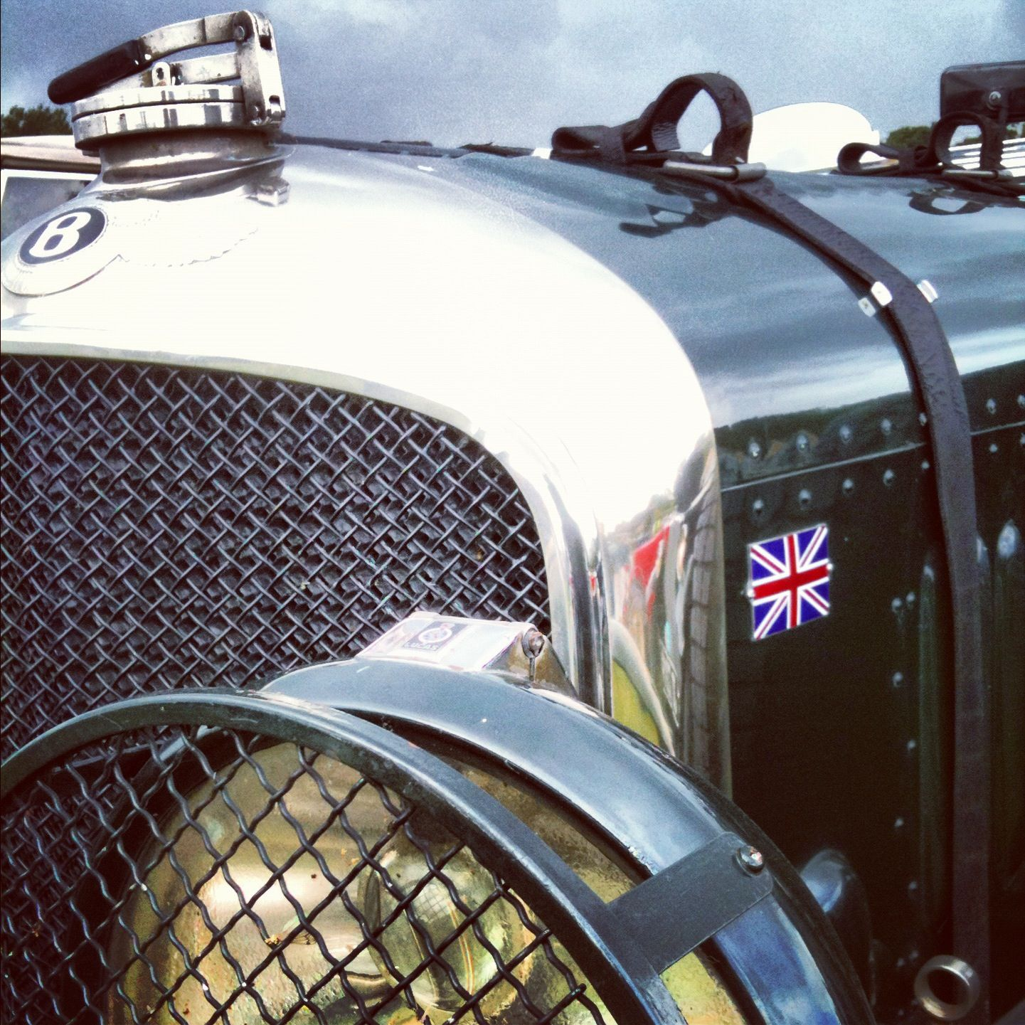 A #vintage #Bentley In British Racing Green, Yes Please