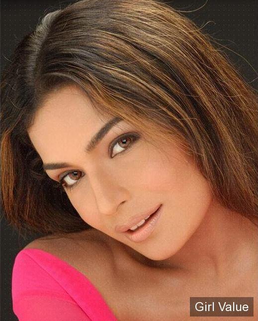 meera khan with pink dress photos pakistani