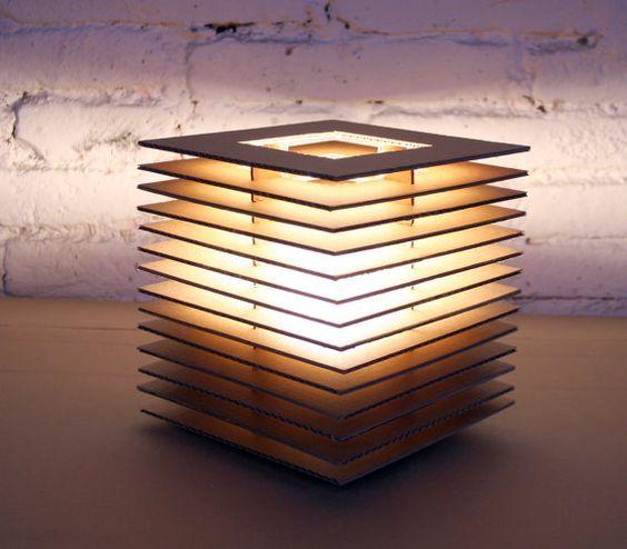 fabriquer un lampadaire en carton voici 20 id es cr atives cr ation papier luminaire. Black Bedroom Furniture Sets. Home Design Ideas
