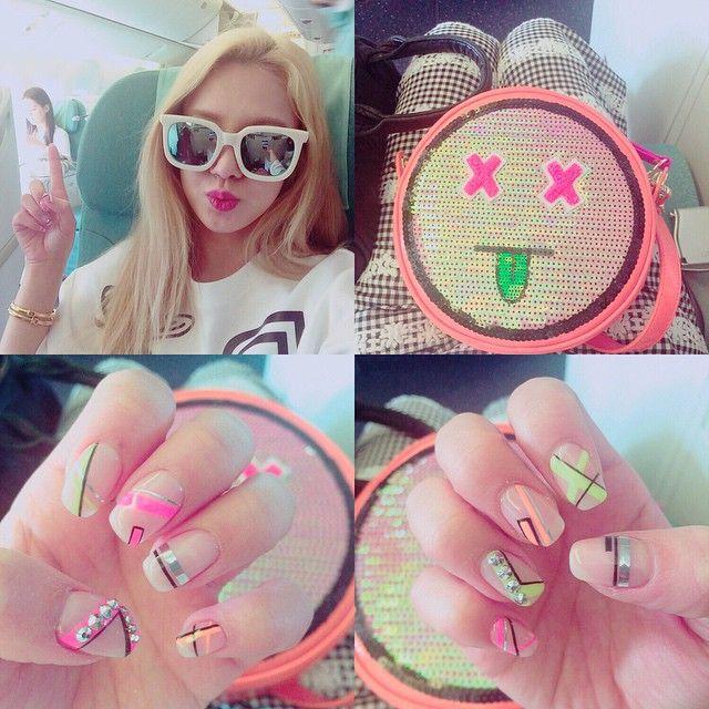 Hyoyeun from Girls Generation SNSD on Instagram 일본으로 팬미팅하러 고고씽~!! #Tokyo #saitama #newnailsdesign #뒤에빛바랜서현❤️