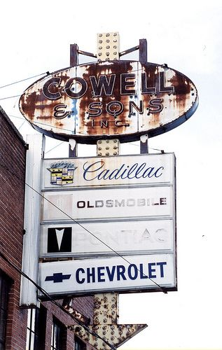 Cowell Son Chester Il With Images Chevy Dealerships Old