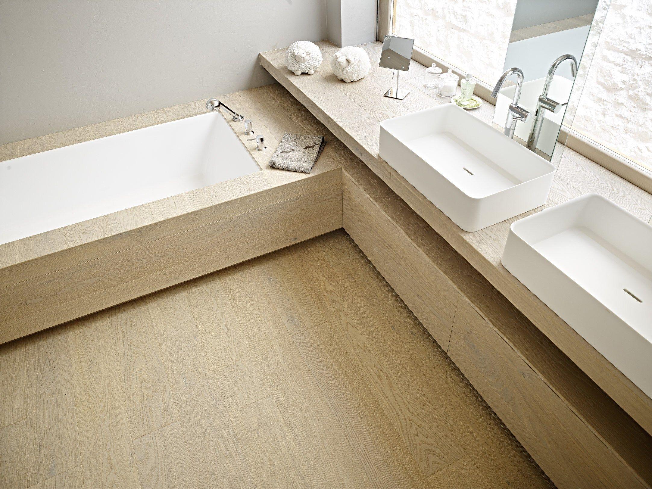 Elegantes badezimmerdekor waschtischunterschrank aus holz disegnodilegno