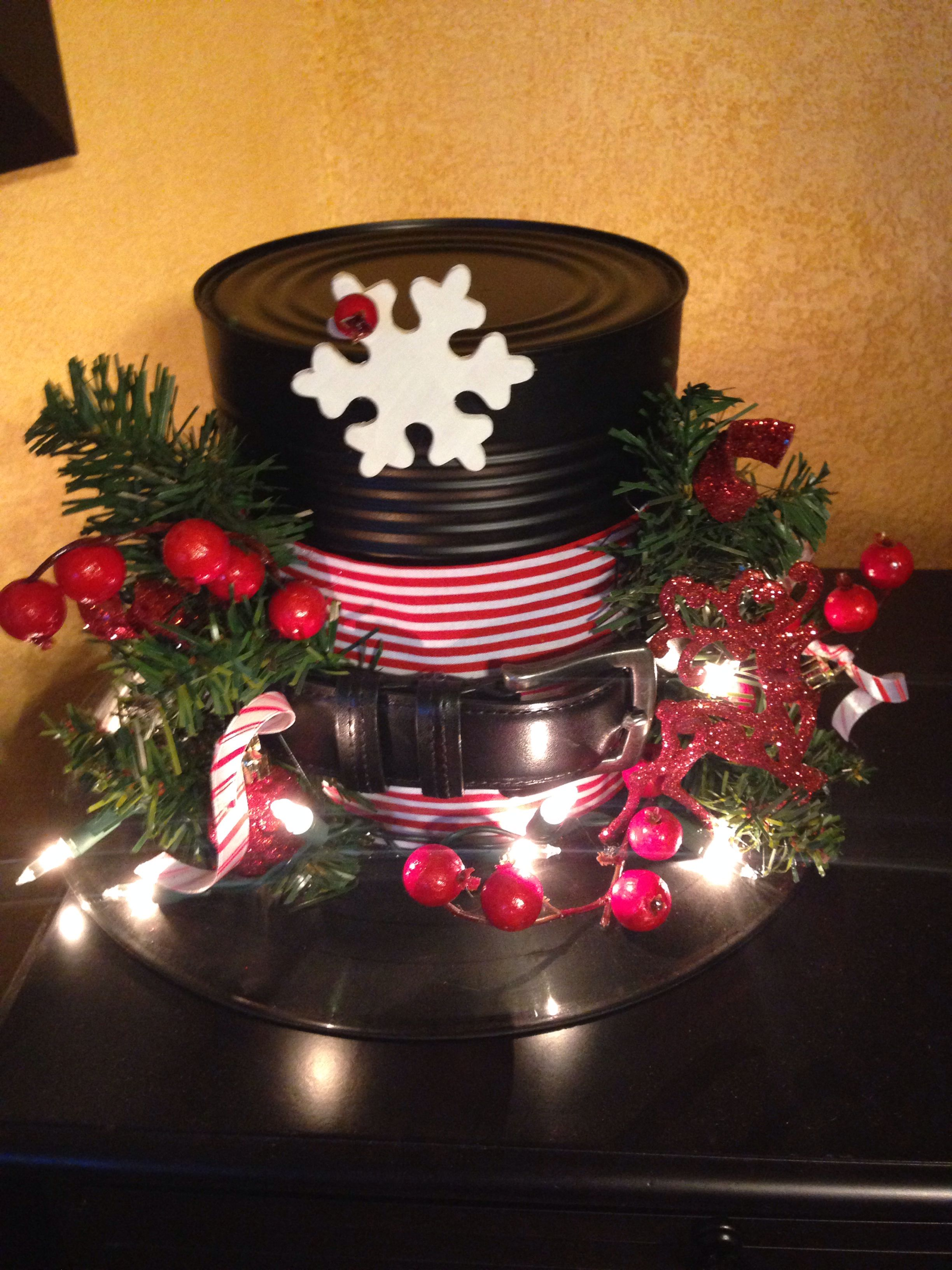 Creative idea snowman hat out of a glass charger for Recycled centerpiece ideas