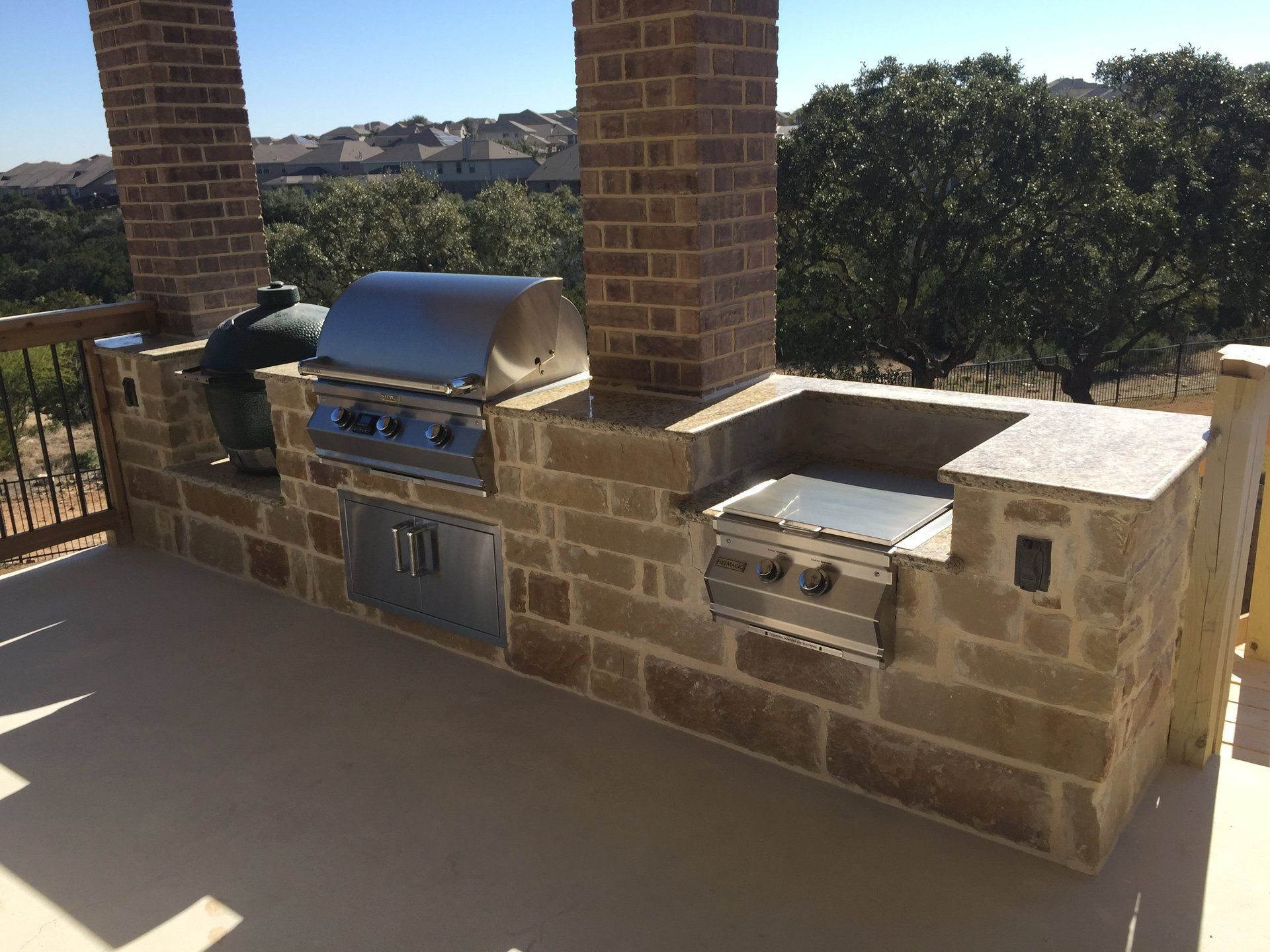 Cozy Outdoor Escapes Makes It Easy To Build The Outdoor Kitchen You Ve Always Dreamed Of In San Antonio Tx Call Today To Ord Outdoor Kitchen Backyard Outdoor