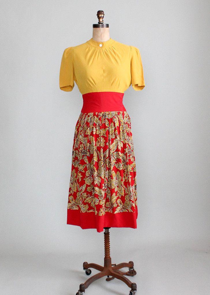 Vintage Late 1930s / Early 1940s Carlye Rayon Dress