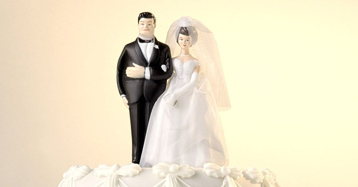 A new study shows husbands gain weight and wives get thin after marriage.