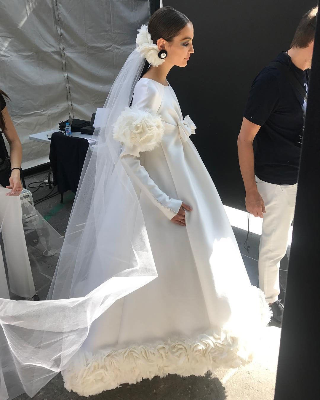 Chanel Gives The Bridal Ponytail A Magical Runway Makeover