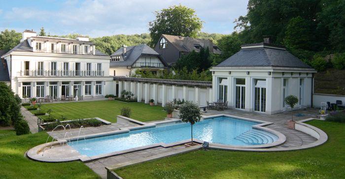 Villa d sseldorf grafenberg d sseldorf pinterest for Moderne villen deutschland
