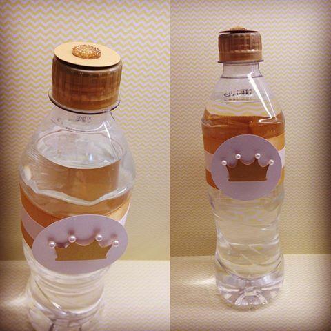 Garrafinhas de água personalizadas para o reino da Livia! #mimosescraps #mimos #scrapfesta #scrap