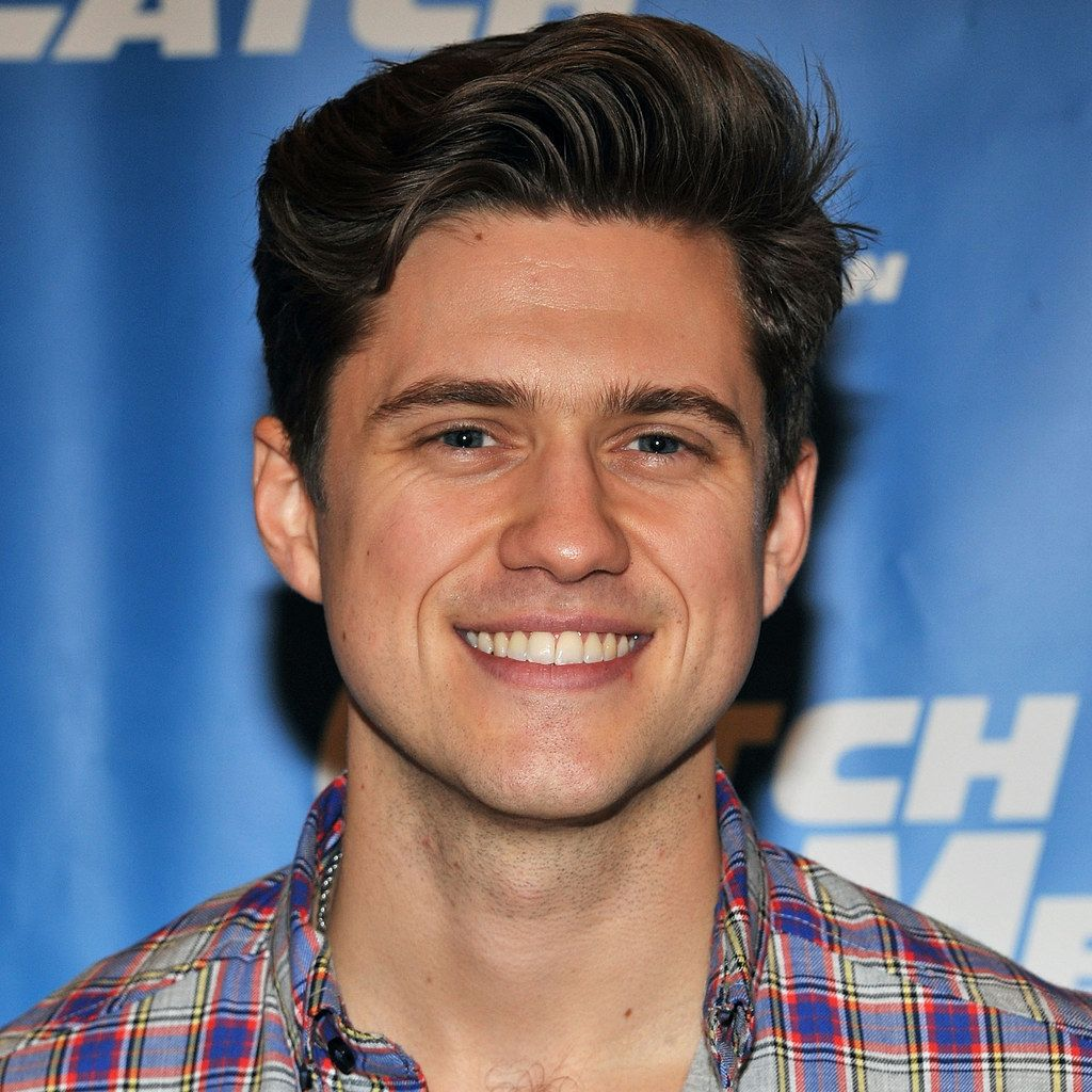 14 Songs Sung By Aaron Tveit That Will Make You Melt On