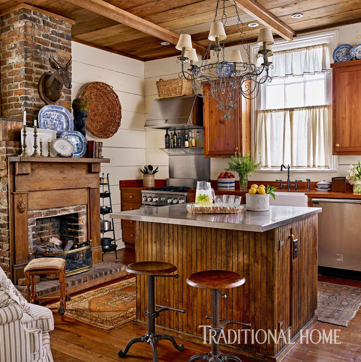 20 Charming Cottage Style Kitchen Decors: Charming Georgia Home