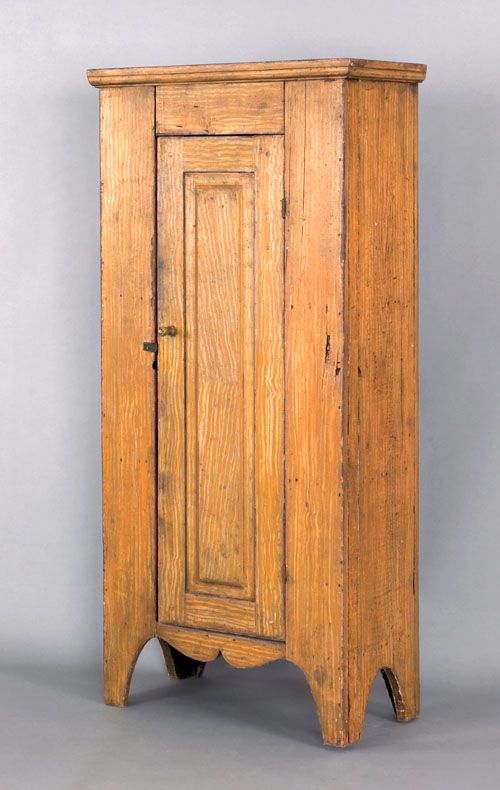 Pennsylvania painted pine chimney cupboard, 19th c., retaining an old ochre  grained surface - Pennsylvania Painted Pine Chimney Cupboard, 19th C., Retaining An