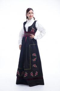Photo of Festdrakt Kamilla til dame – barekjoler.no