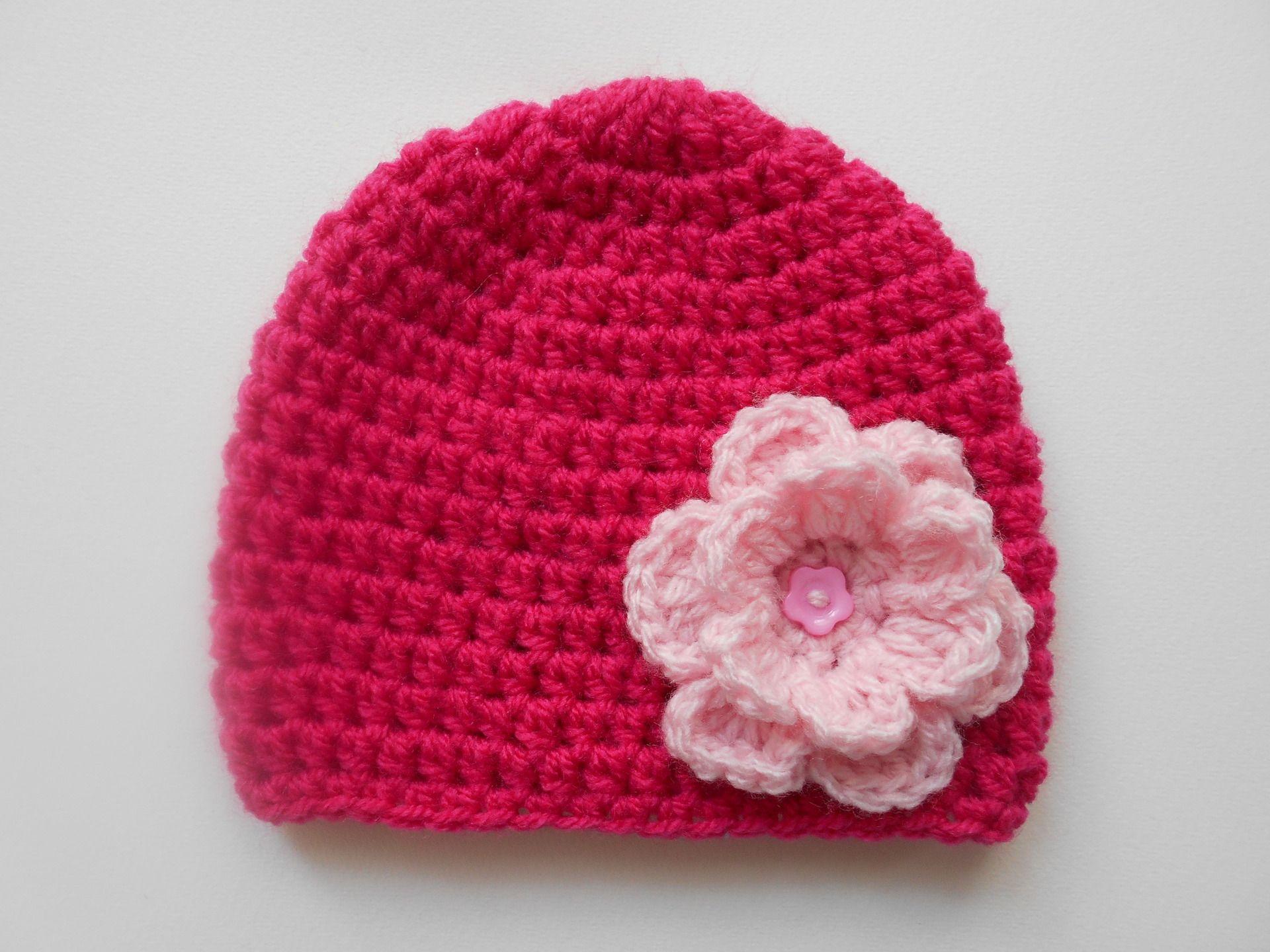c737ac61585f4 bonnet bebe fille en laine fuchsia et rose poudree fait main au crochet :  Mode Bébé par chtiewie