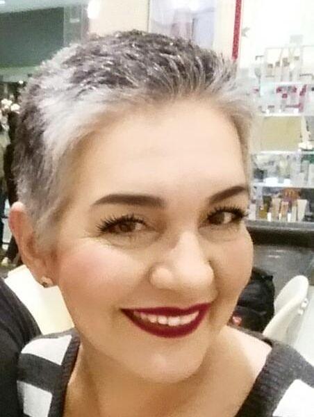 Eu quando sai do salão com o cabelo curtinho e livre de tintas! Junho de 2016