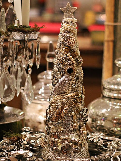 How To Make A Costume Jewelry Christmas Tree Part - 26: DIY: Tutorial On How To Make This Gorgeous Tree From Vintage Jewelry,  Buttons And
