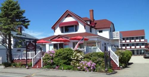 Grand View Motel & Suites Hampton Beach Set in Hampton, 1 km from Casino Ballroom, Grand View Motel & Suites features air-conditioned rooms and free private parking.  Every room has a TV. Some rooms feature a seating area for your convenience. Rooms are fitted with a private bathroom.