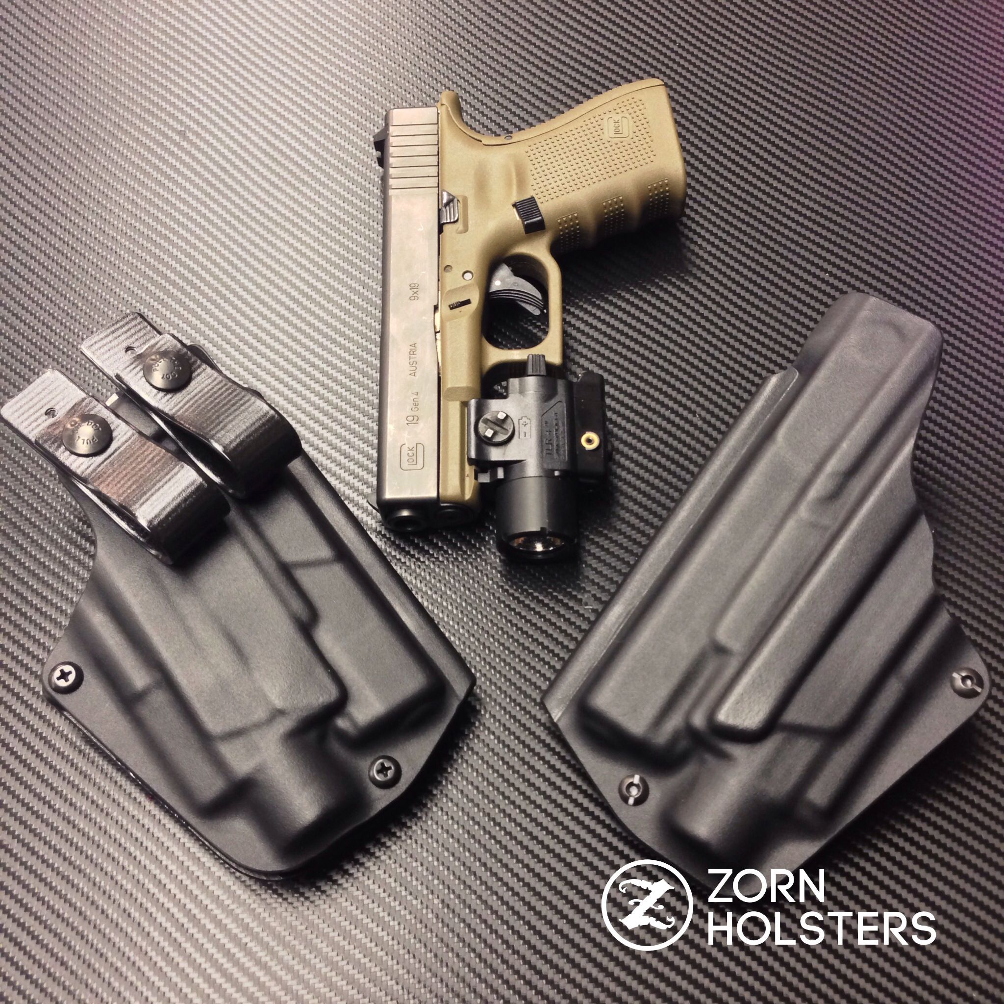 Wraith holsters for the Glock 19 with the Streamlight Tlr-4
