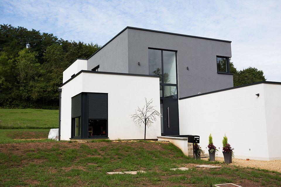 Maison Innovu0027Habitat cubique sur terrain en pente MAISON - plan de maison sur terrain en pente