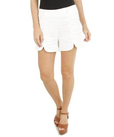 Short Texturizado com Pregas Off White