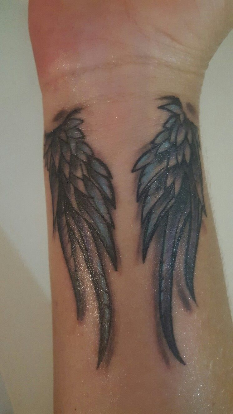 angel wings wrist tattoo i like this one with the 3d effect lets pin it for my future. Black Bedroom Furniture Sets. Home Design Ideas