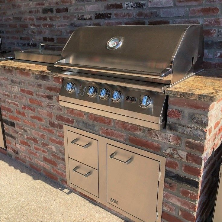 Lion Gas Grills Combine Premium Quality With Affordability Built With Durable 304 Stainless Steel Th Natural Gas Grill Outdoor Kitchen Outdoor Kitchen Design