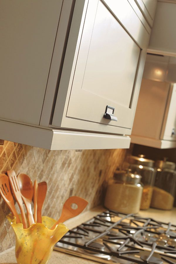 Traditional Light Rail Moulding | Cabinet molding, Kitchen ...