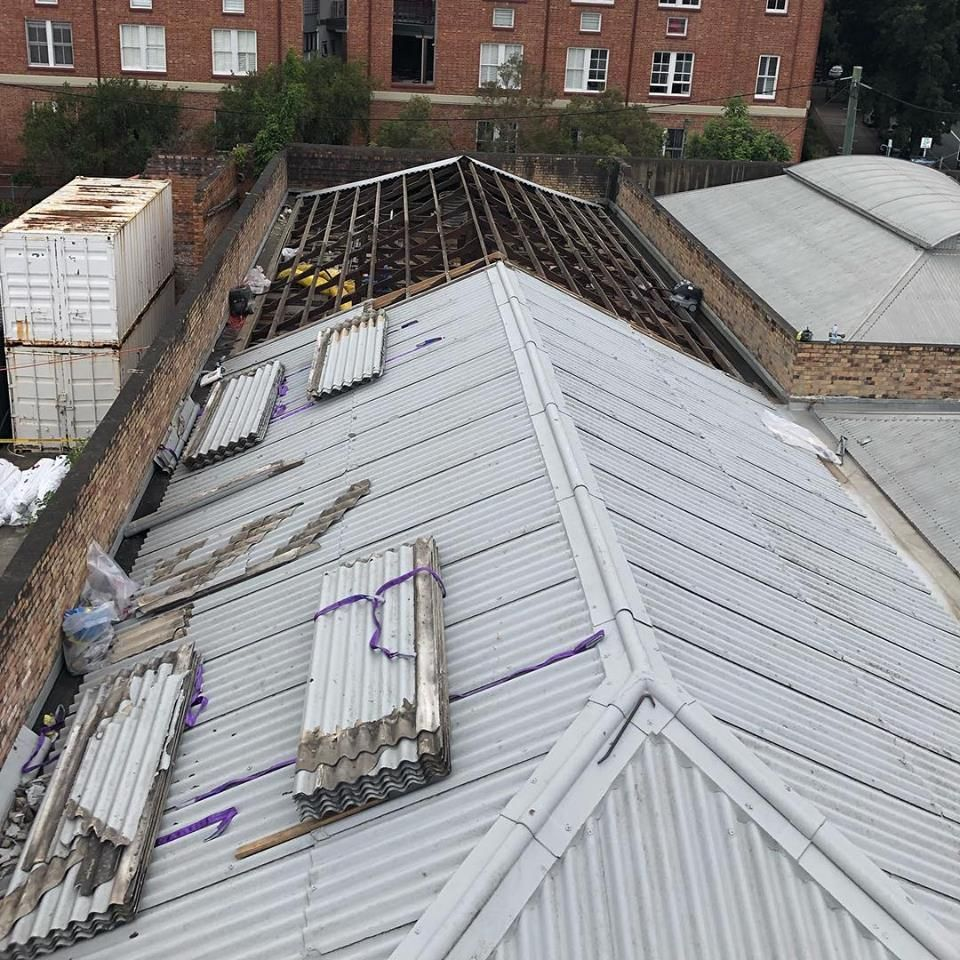 Icon Asbestos Is The Experienced Roof Removal And Roof Replacement Specialist In Sunshine Coast Our Roofing Speci Roofing Specialists Asbestos Removal Roofing