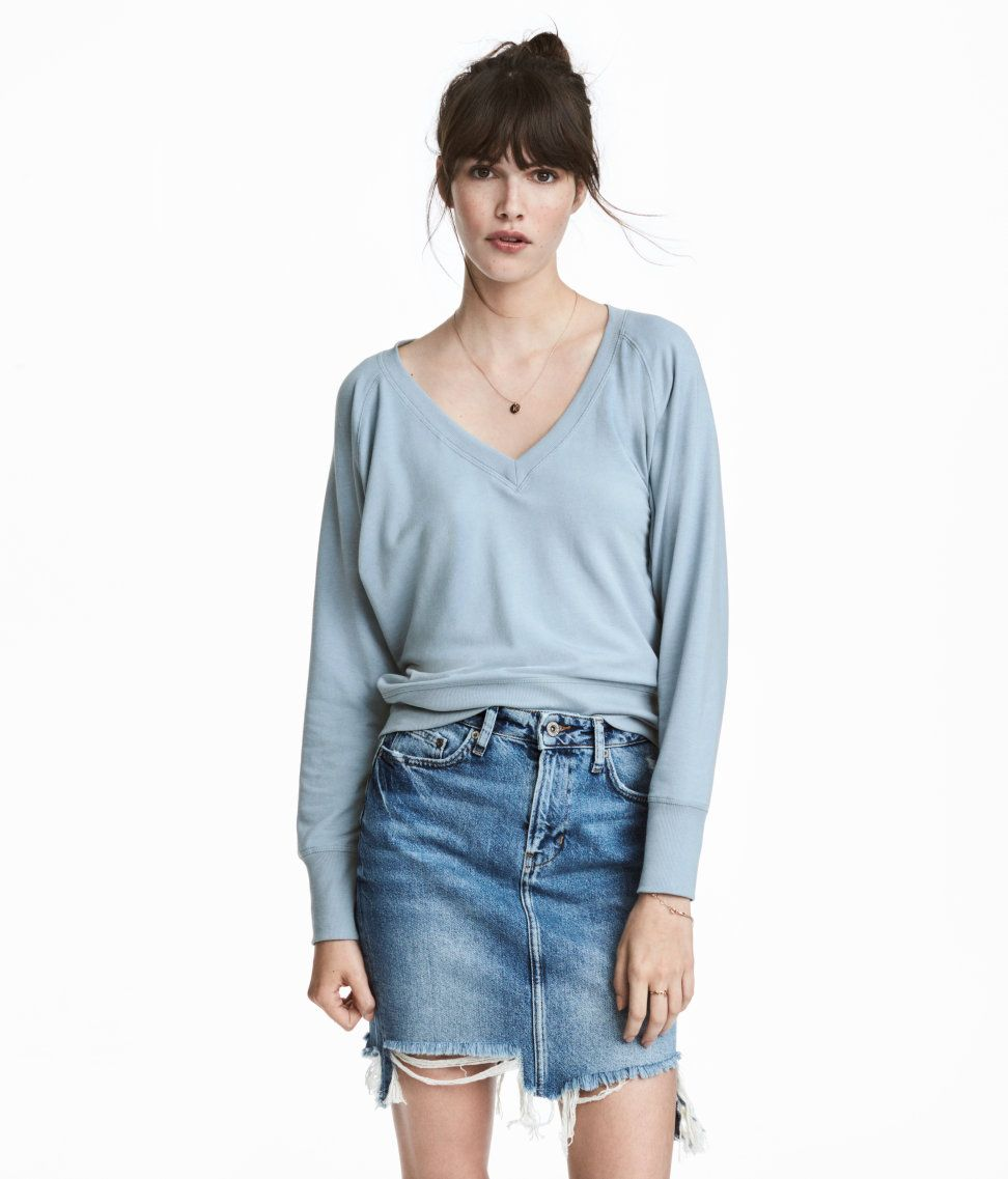 Check this out soft lightweight sweatshirt with a vneck at front